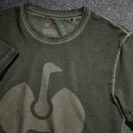 Överdelar: T-Shirt e.s.motion ten ostrich + camouflage grön vintage 2
