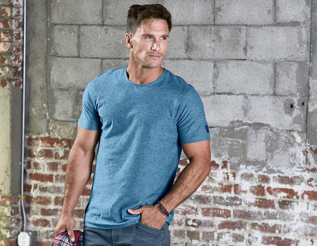 Överdelar: T-Shirt e.s.vintage + arktisk blå melange