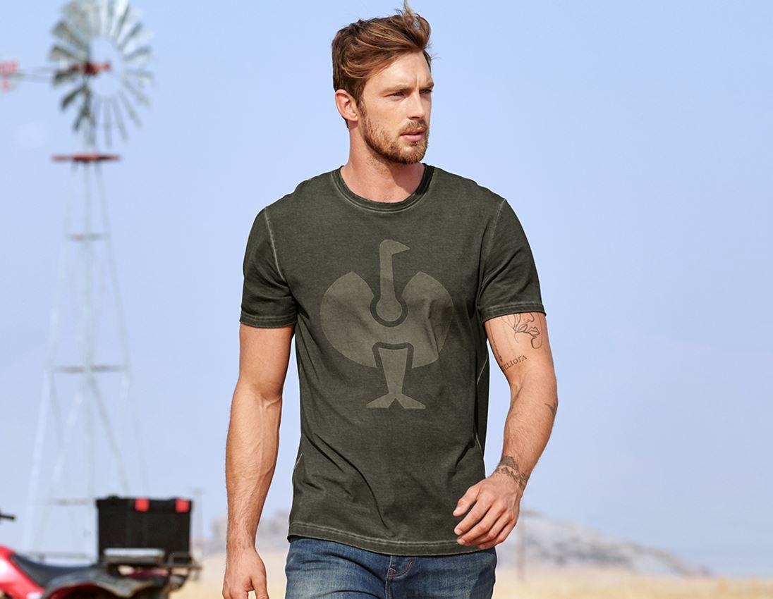Överdelar: T-Shirt e.s.motion ten ostrich + camouflage grön vintage