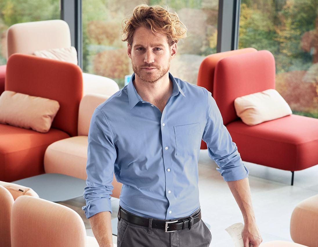 Överdelar: e.s. Kontorsskjorta cotton stretch, slim fit + frostblå