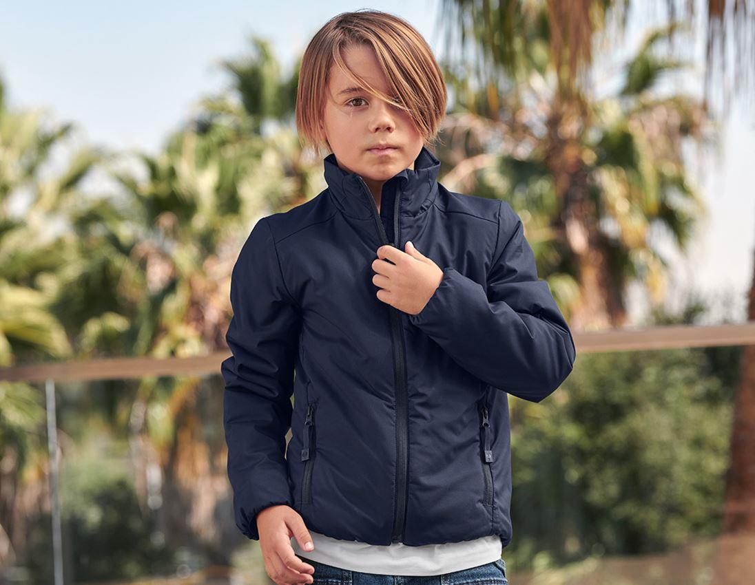 Jackor: e.s. vadderad-jacka CI, barn + mörkblå