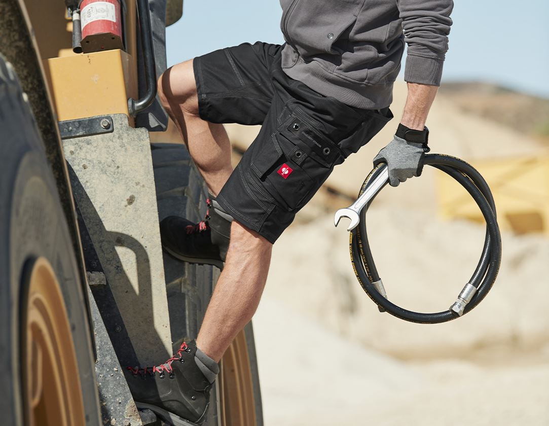 Arbetsbyxor: Shorts e.s.roughtough + svart