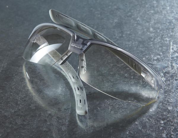 Eye Protectors: e.s. Safety glasses Helin + gradient 1